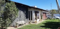 Alugo casa com 1 suite, mais 2 dormitórios no bairro Boa Vista - Joinville