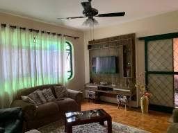 Título do anúncio: Casa com 3 dormitórios próximo ao centro de Araras-SP