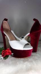 Sandália salto alto branco e rosa camurça