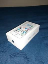 Caixa de iPhone 5s, preta e branca