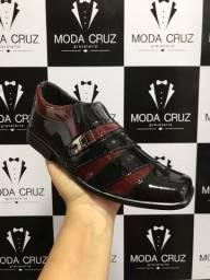 Sapatos infantis - Envernizados - 100 Costurado a preço de fábrica