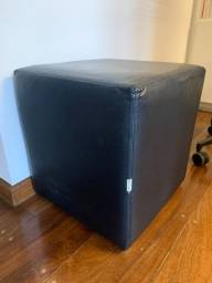 Título do anúncio: Puffs quadrados (2 unidades) preto