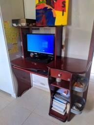 Mesa para computador e estudos