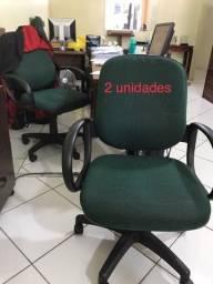 Diversas cadeiras