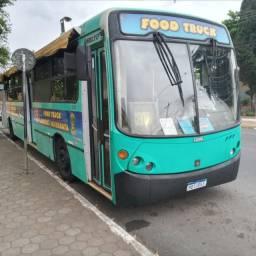 Ônibus food-truck