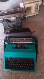 Duas máquinas de escrever raridade uma máquina de costura