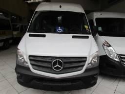 Mercedes-Benz Sprinter Van 515 com Acessibilidade