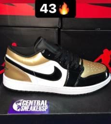 Air Jordan 1 Low Gold