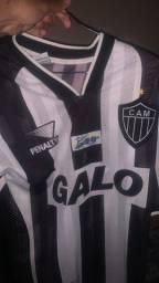 Título do anúncio: Vendo camisa do atlético 500 anos do Brasil super rara
