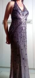 Elegante e sensual vestido todo bordado com missangas