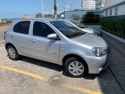 Toyota Etios hatch 1.3 X completo