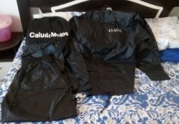 Jaqueta e capa de chuva