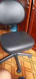 Cadeira  ****