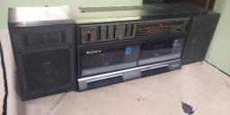 Rádio toca fitas da Sony
