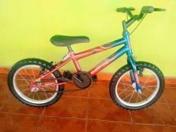 Bicicleta aro 16 semi nova infantil
