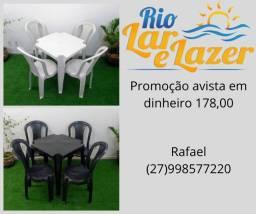 Mesa e 4 cadeiras plastico