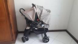 Carrinho de bebê mais bebê conforto