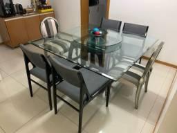Mesa de Jantar com Tampo de Vidro
