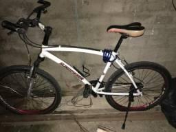 Vendo bicicleta Caloi aro 26 muito arrumada, toda original!