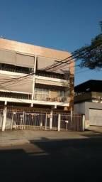 Apartamento amplo com 02 dormitórios + dependência de empregada. Aceita carta de crédito