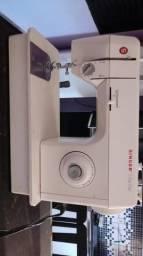 Vende se maquina de costura
