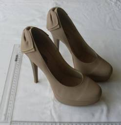 4926901f85 Sapato Feminino Scarpin Meia Pata Nude em Couro - Elegance Collection -  Número 37