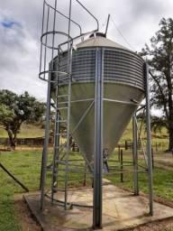 Silo para ração 8000kg Agromarau seminovo