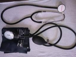 Aparelho para aferição de pressão arterial e aparelho de glicemia