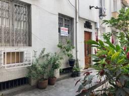 Apartamento térreo de vila, 3 quartos, frente, 115m² - Rua Ferreira Viana - Flamengo - RJ