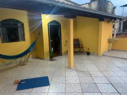 Casa dois pavimentos com quatro quartos treis banheiros garagem pra 06carros