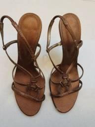 Sandalia de salto fino