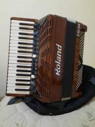 Acordeon Roland FR3X (Madeirado)