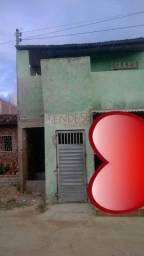 Vendo ou troco primeiro andar localizado no bairro Severino Afonso
