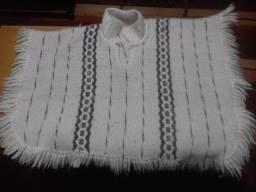 Poncho infantil de lã