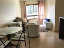 Apartamento para alugar com 3 dormitórios cod:REO585423