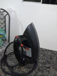 Ferro electrico
