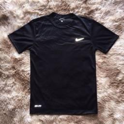Título do anúncio: Camiseta Nike DRI-FIT Refletiva Modelo Básico