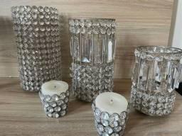 Peças decorativas em aço escovado e cristais