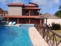 Linda casa Alugo em Itamacará 5 quartos piscina.