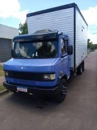 Caminhão bau 31 mt cúbicos mudanças fretes transportes