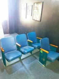 Cadeiras antigas de cinema
