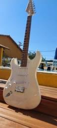 Guitarra Suzuki canhoto sst 5 wt