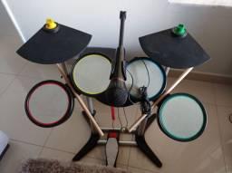 A bateria mais completa Xbox rock Band, em otimo estado, acompanha guitarra e 2 jogos