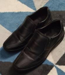 Sapato masculino número 37