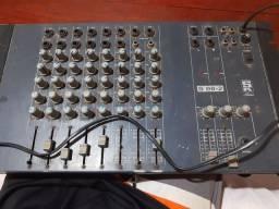 Vendo uma mesa de som funciona perfeitamente