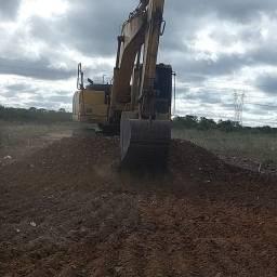 Título do anúncio: Escavadeira hidráulica pc200