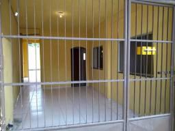 Alugo casa em Guaranhuns com 02 quartos