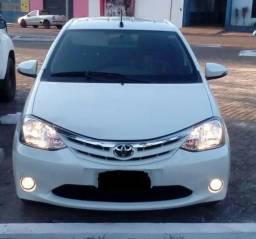Toyota Etios completo - 2017