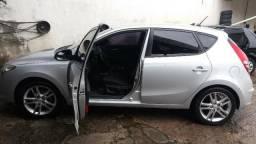 Hyundai i30 2011/2012 top de linha (troco por carro de menor valor) - 2011