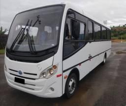 Micro ônibus rodoviário Mercedes bens com ar condicionado